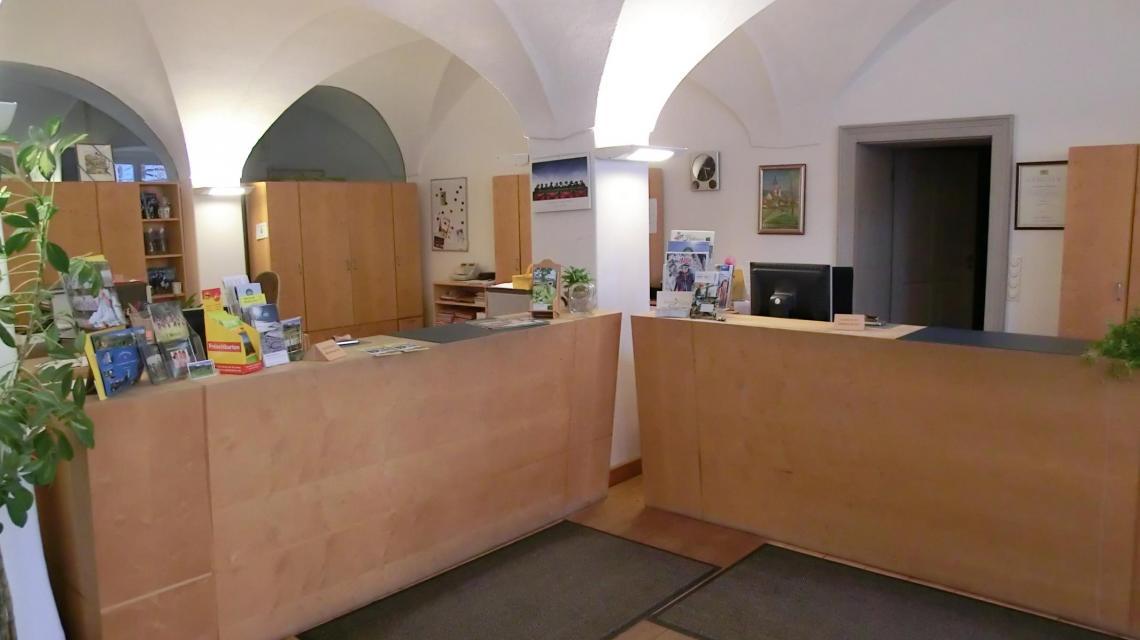 Innenansicht Tourist-Information Fischbachau