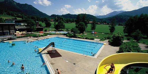 Außenschwimmbecken Freibad Fischbachau
