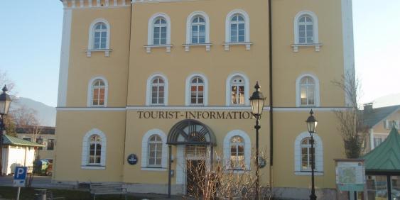 Außenansicht Tourist-Information Tegernsee