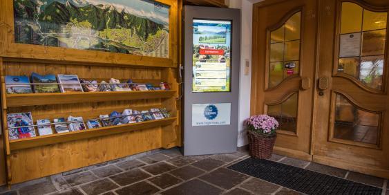Innenraum Tourist-Information Kreuth