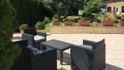 Terrasse mit Loungemöbel
