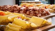 Brotzeitbrettl mit Käse und Wurst